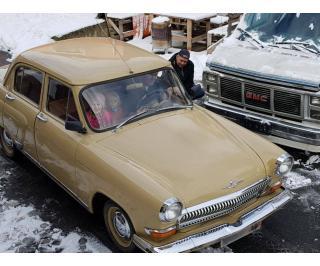 Veterán Volha rok 1963, plachta uchová lak a lesk