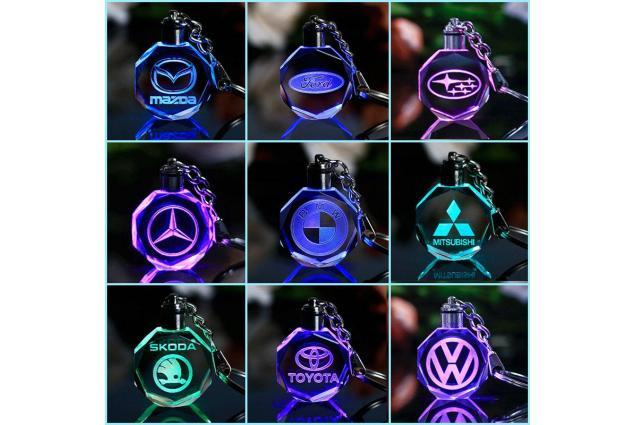 Foto 4 - Klíčenka skleněná LED - Mercedes