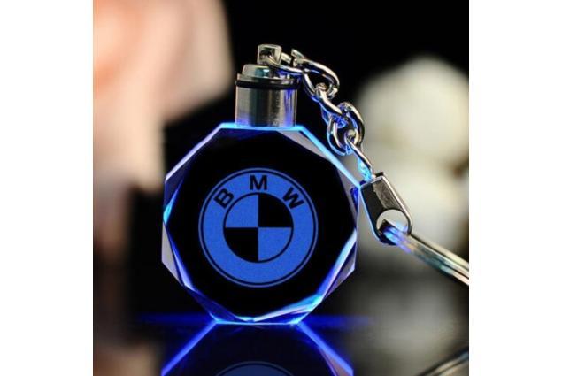 Foto 3 - Klíčenka skleněná LED - BMW