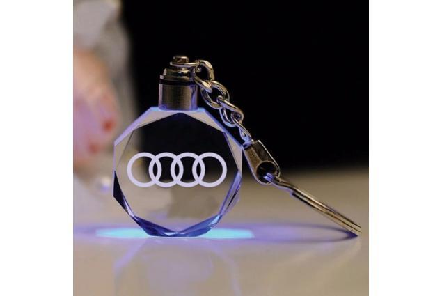 Foto 4 - Klíčenka skleněná LED - Audi