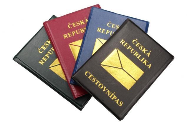 Foto 2 - Pouzdro na cestovní pas