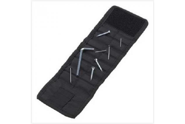 Foto 6 - Magnetický náramek pro kutily