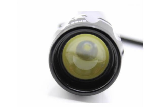 Foto 4 - Vodotěsná a nárazuvzdorná baterka