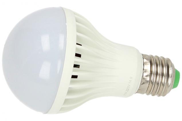 Foto 2 - Úsporná žárovka 7W klasik