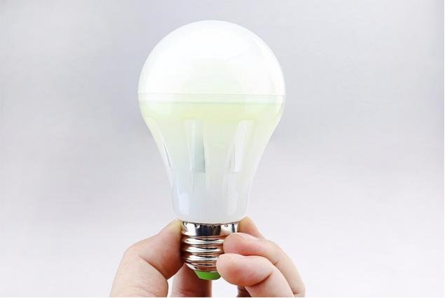 Foto 11 - Led žárovka MCOB 4W E27 4000K - studená bílá