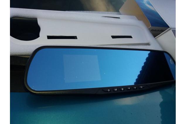 Foto 9 - Kamera do auta ve zpětném zrcátku