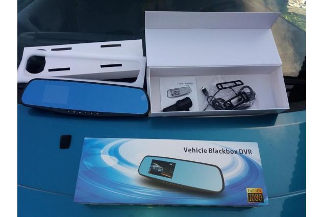 Foto 10 - Kamera do auta ve zpětném zrcátku