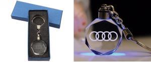 Klíčenka skleněná LED - Audi